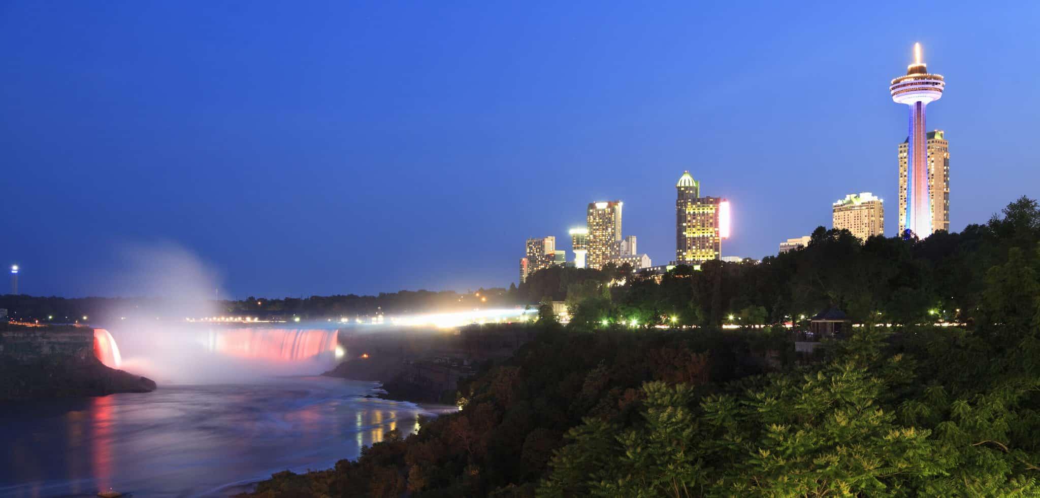 Niagara Falls at night from the north
